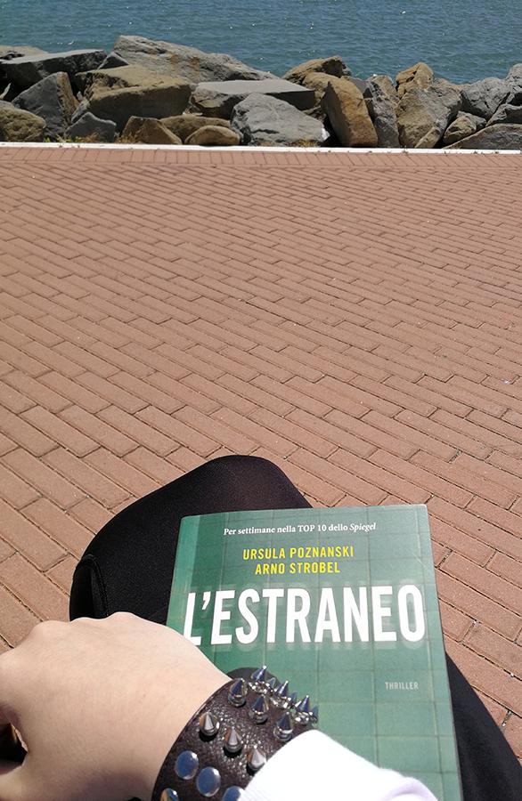 Letture in riva al Lago Trasimeno | Judy Blackmore | Digital Strategist e Consulente Marketing | Perugia